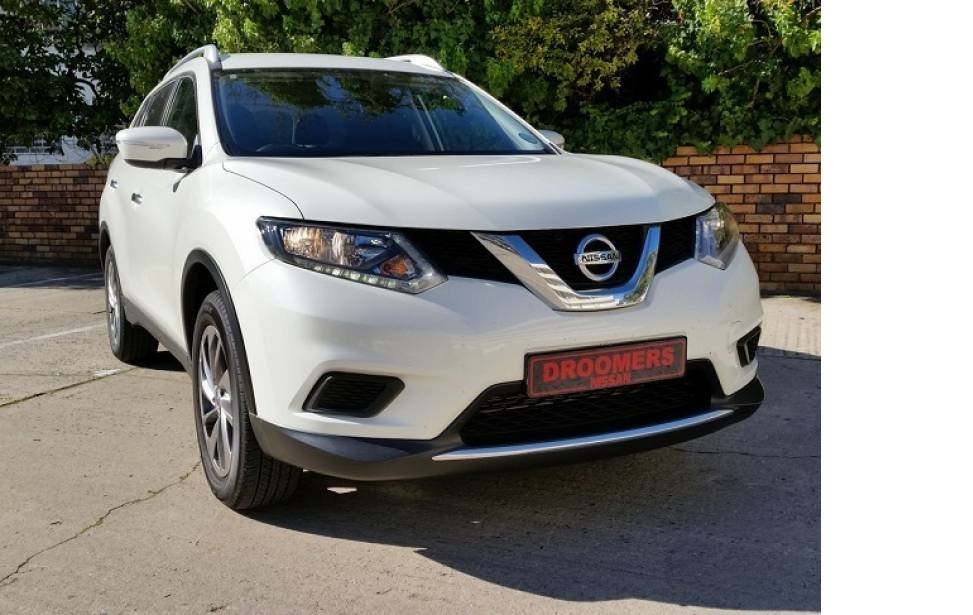 NISSAN X-TRAIL 2.0 XE DESIGN 4X2 MT